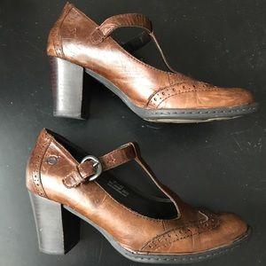 BORN leather high heel Mary Jane size 8.5